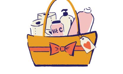 Ilustracja przedstawia kosz z akcesoriami higienicznymi, w tym butelki z mydłem, papier toaletowy, opakowanie witaminy C.